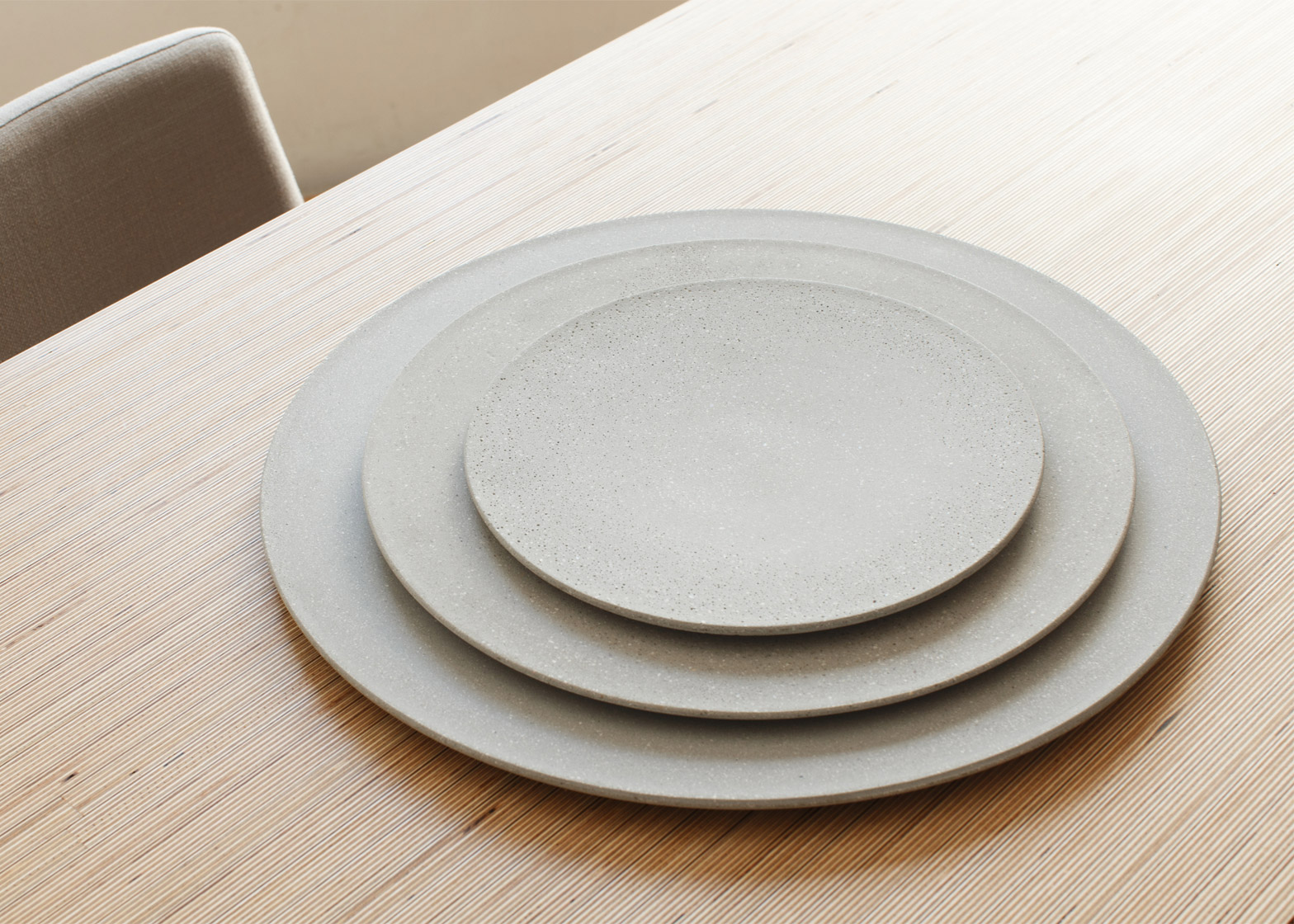 Tenue plates by La Selva
