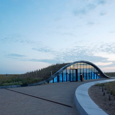 Dune-shaped car park by Royal HaskoningDHV doubles as a flood defence