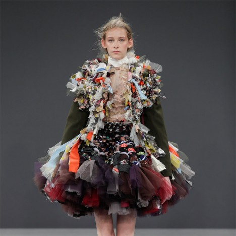 Viktor rolf s vagabonds wear haute couture garments made for Haute couture materials