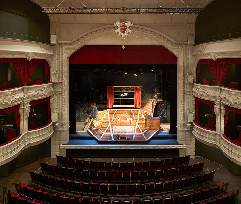 De Matos Ryan renovate York's theatre royal to improve engagement with the city.