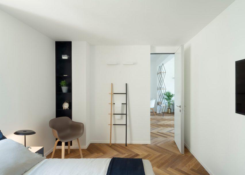 Maayan Zusman lines Tel Aviv apartment with herringbone flooring