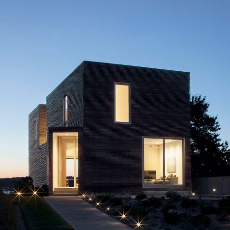 Rhode Island holiday home by Bernheimer Architecture features pyramid-like skylights