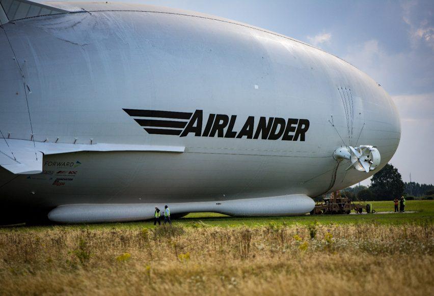 airlander-10_hybrid-air-vehicles_first-flight_dezeen_1704_8
