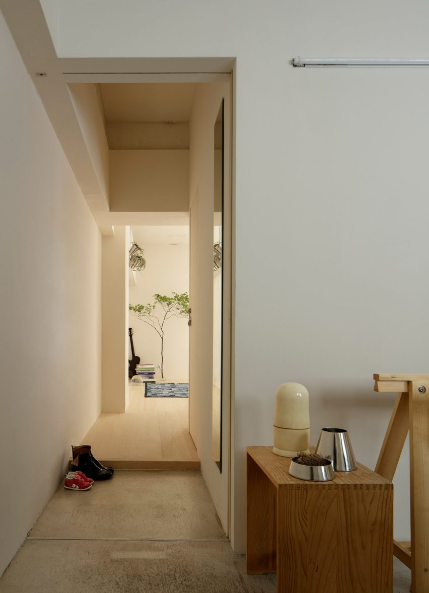 Minorpoet applies traditional Japanese design to a renovated apartment in Tokyo