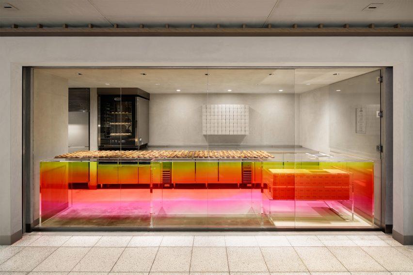 bake-kitasenju-yota-kakuda-bakery-tokyo-japan-interior_dezeen_3408_0
