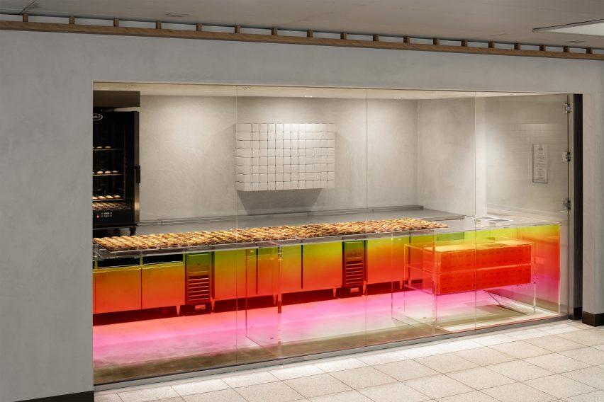 bake-kitasenju-yota-kakuda-bakery-tokyo-japan-interior_dezeen_3408_2
