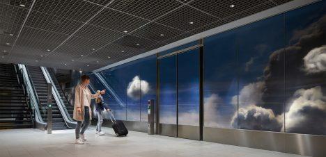 Daan Roosegaarde creates illusion of depth in cloud-filled Beyond installation