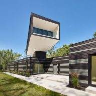 Kariouk Associates sneaks around planning laws to gain lake vistas for A Bower House