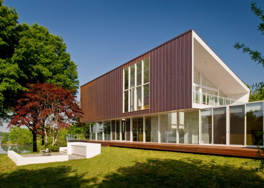 Buisson Residence by Robert Gurney Architect
