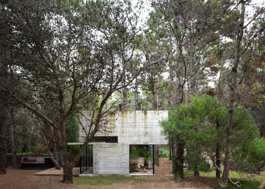 Luciano Kruk adds board-marked concrete holiday home to seaside resort near Buenos Aires