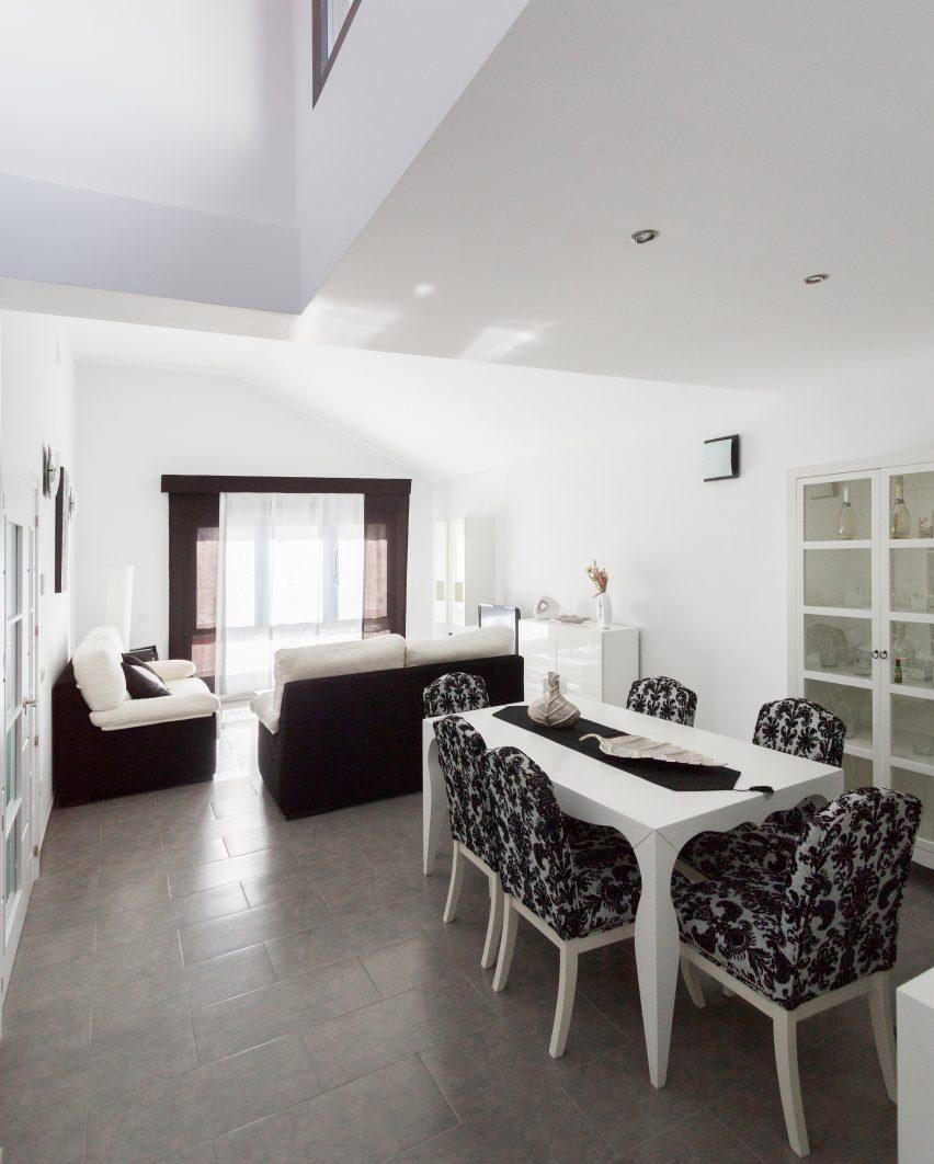 casa-arm-ooiio-mora-spain-architecture-house-residential_dezeen_dezeen_3408_3