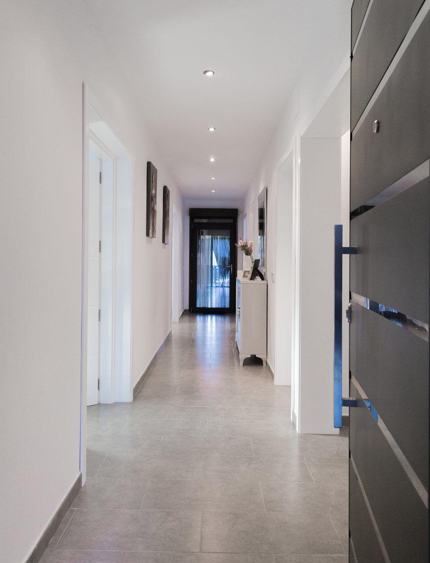 casa-arm-ooiio-mora-spain-architecture-house-residential_dezeen_dezeen_3408_8