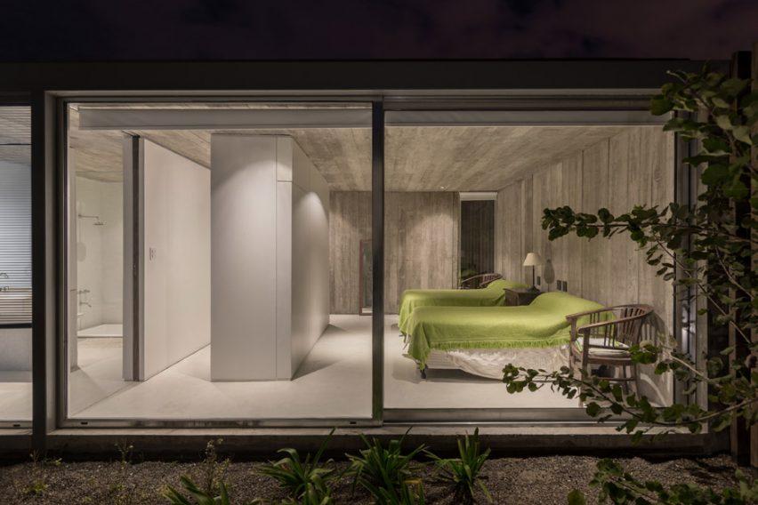 Casa en Palihue by Bernardo Rosello
