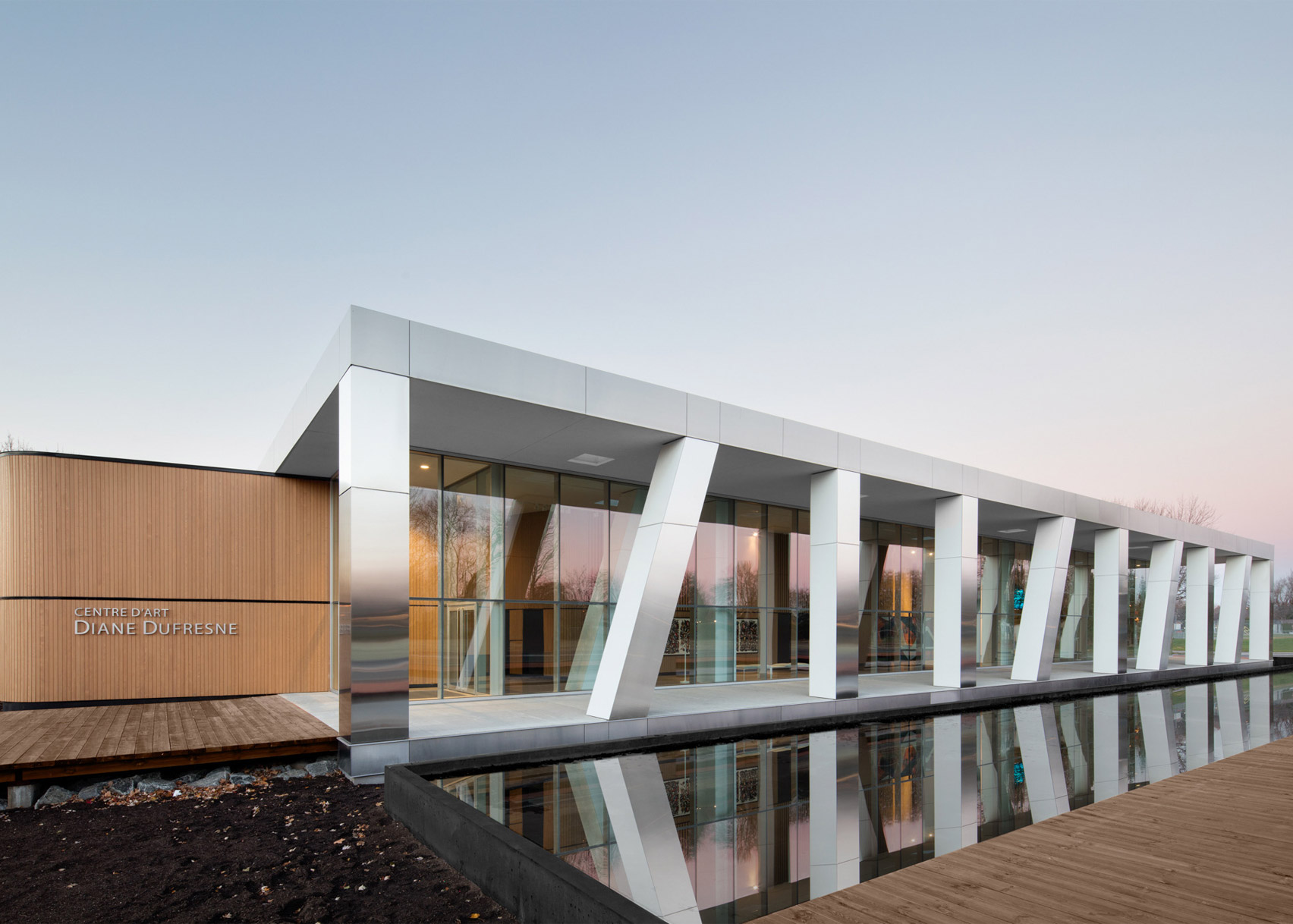 Diane Dufresne Art Centre by ACDF