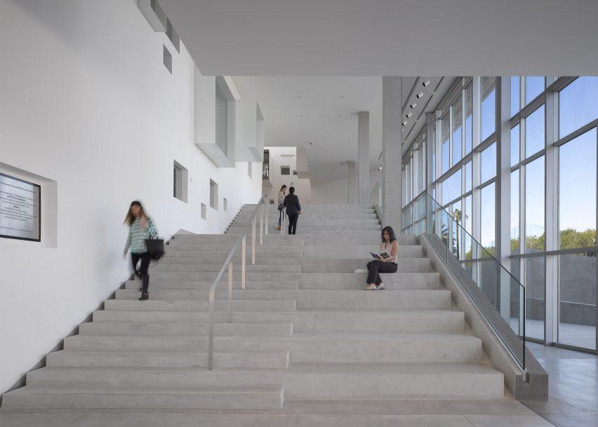 Centre for Postgraduate Studies by Studiohuerta