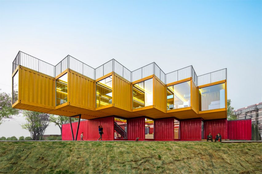 container-stack-pavilion-peoples-architecture-office-shanxi-china-shipping-containers-temporary-structure_dezeen_936_1