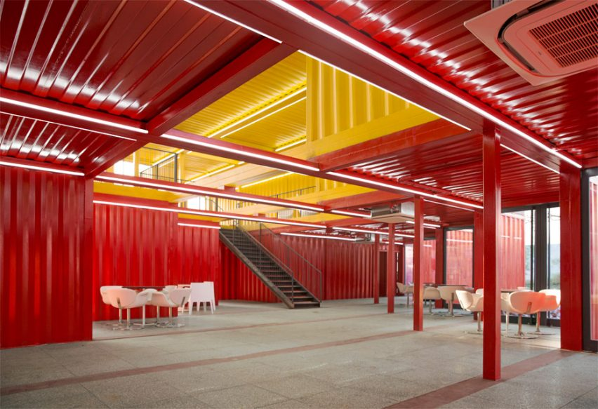 container-stack-pavilion-peoples-architecture-office-shanxi-china-shipping-containers-temporary-structure_dezeen_936_7