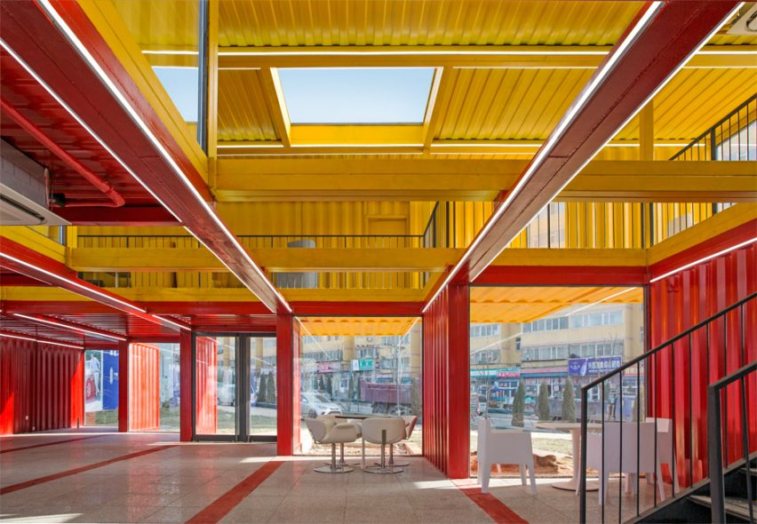 container-stack-pavilion-peoples-architecture-office-shanxi-china-shipping-containers-temporary-structure_dezeen_936_8