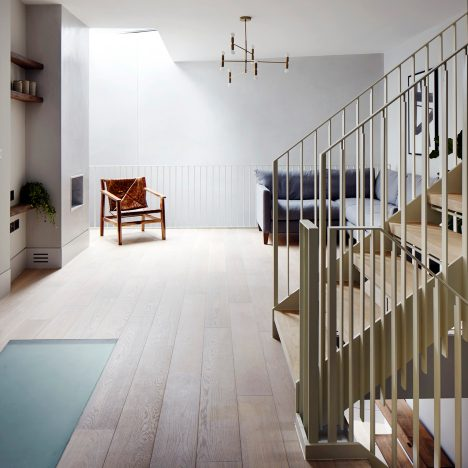 Cornwall Mews renovation by Alma-nac centres around a cream staircase