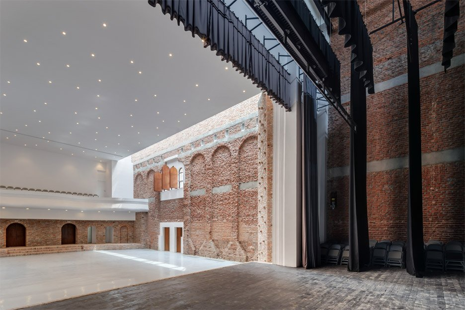 "Ruined ""cultural palace"" in Romania revived by architect Vlad Rusu"