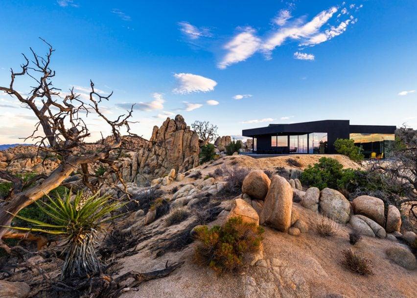 Desert House by Oller & Pejic