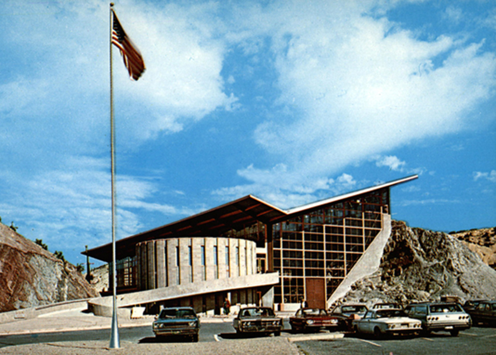 Dinosaur Quarry Visitor Center, Dinosaur National Monument, by Anshen and Allen, 1958