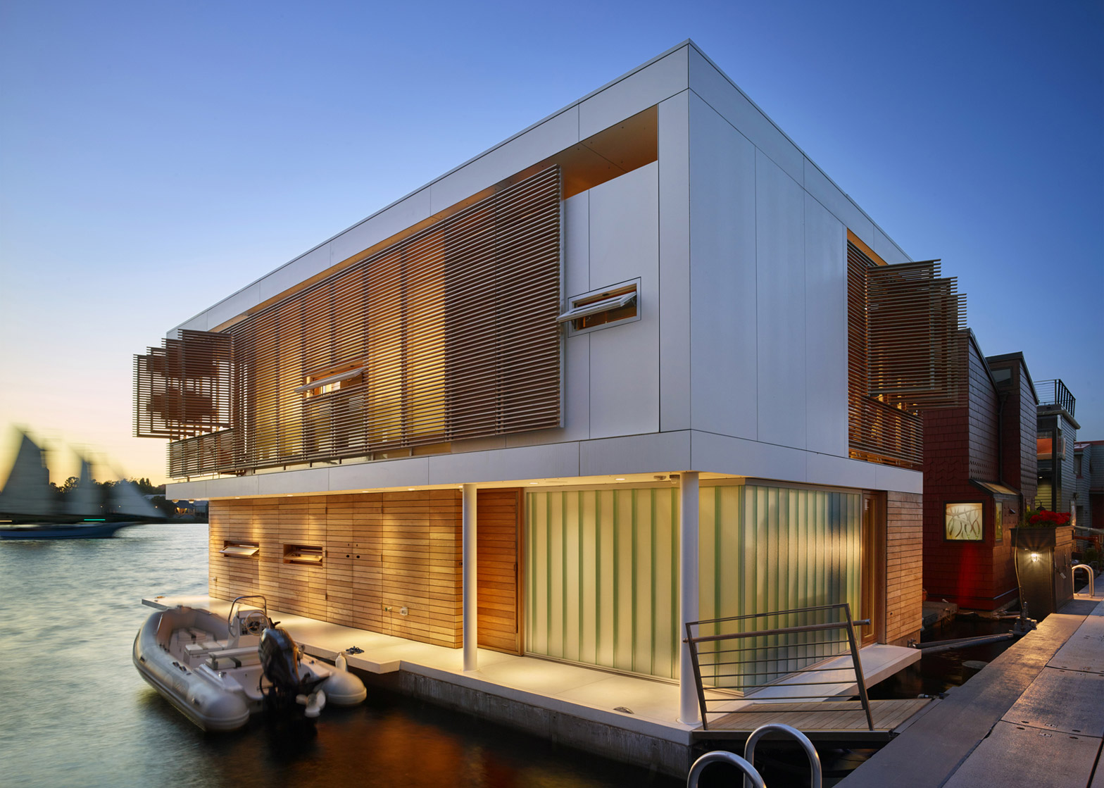 Outstanding Floating Home In Seattle Features Water Level Bedrooms Download Free Architecture Designs Intelgarnamadebymaigaardcom