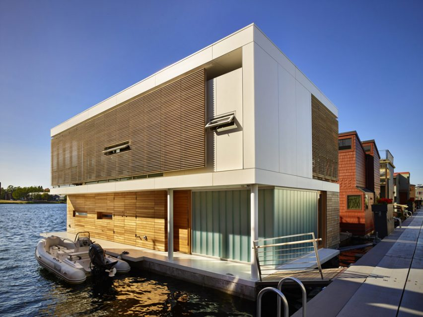 Wondrous Floating Home In Seattle Features Water Level Bedrooms Download Free Architecture Designs Intelgarnamadebymaigaardcom