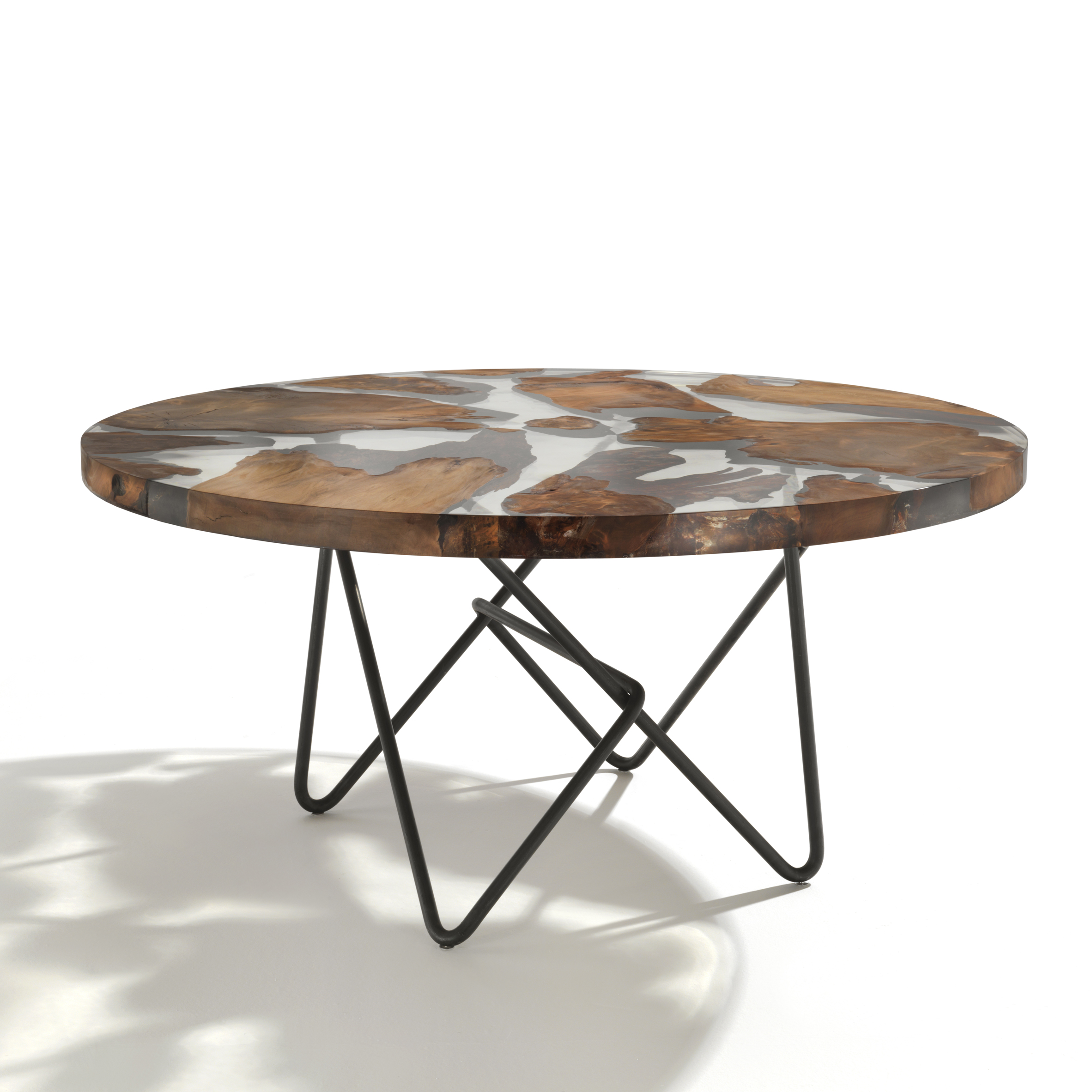 Riva 1920 designs symbolic earth shaped table for world for Table riva but
