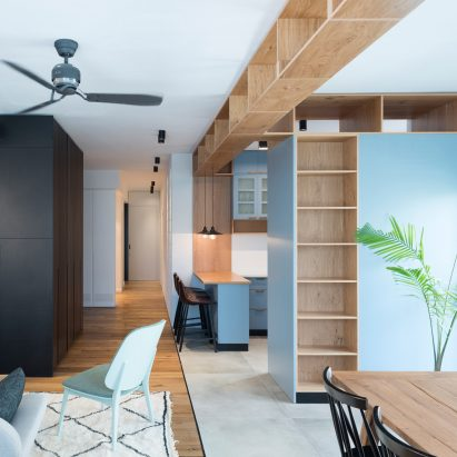 Raanan Stern arranges Tel Aviv apartment around long central corridor