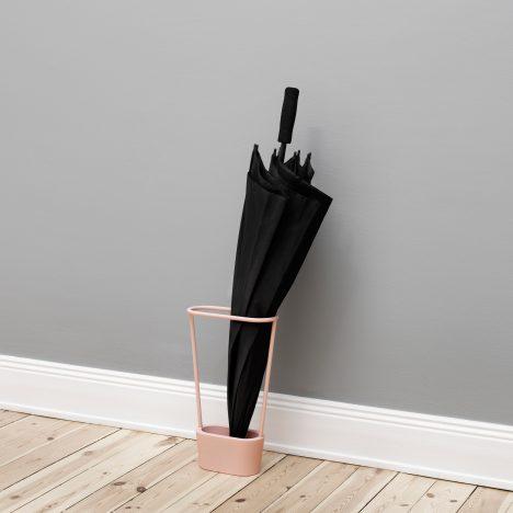 Mika Tolvanen designs minimal umbrella stand for NakNak