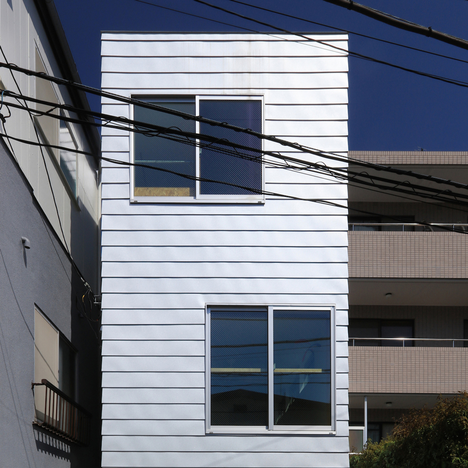 house-at-hommachi-atelier-hako-architects-skinny-houses-shinsuke-kera-urban-arts_dezeen_sqc
