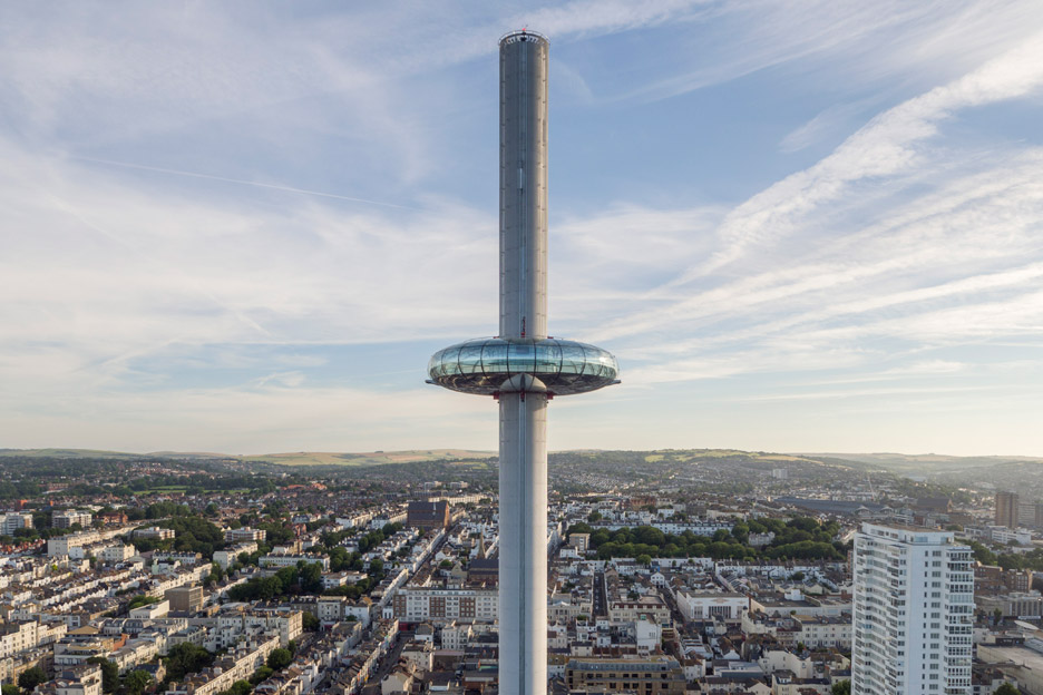 Brightons i360 moving observation tower filmed by drones ahead of