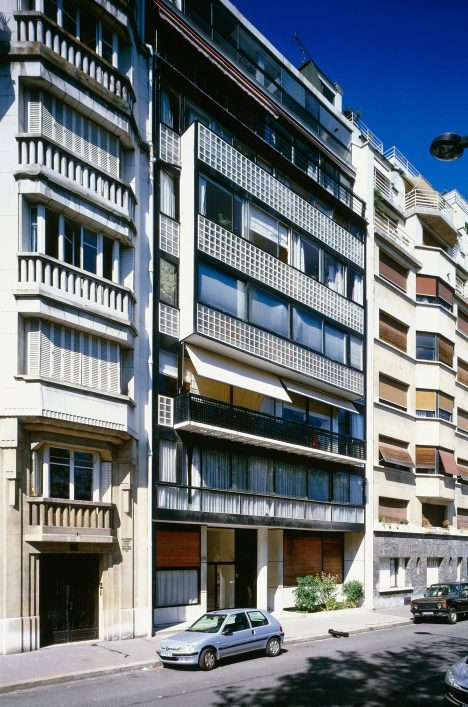 "Le Corbusier's Immeuble Molitor provides residents with ""sky, trees, steel and concrete"""