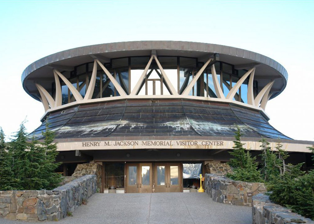 Henry M Jackson Visitor Center, Mount Rainier National Park, by Whimberley, Whisenand, Allison & Tong, 1966. Photograph is by mapio user n7sfp