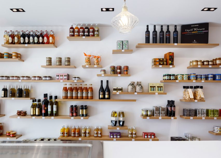 Bertrand Guillon fits petite delicatessen into 35-square-metre Provencal shopfront