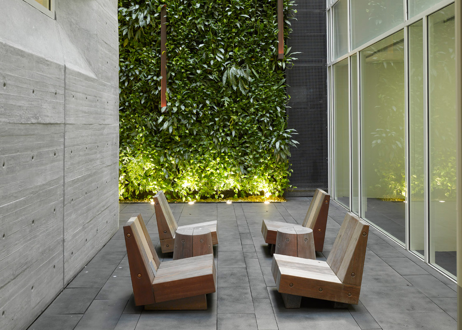 Leblon Offices by Richard Meier and Partners