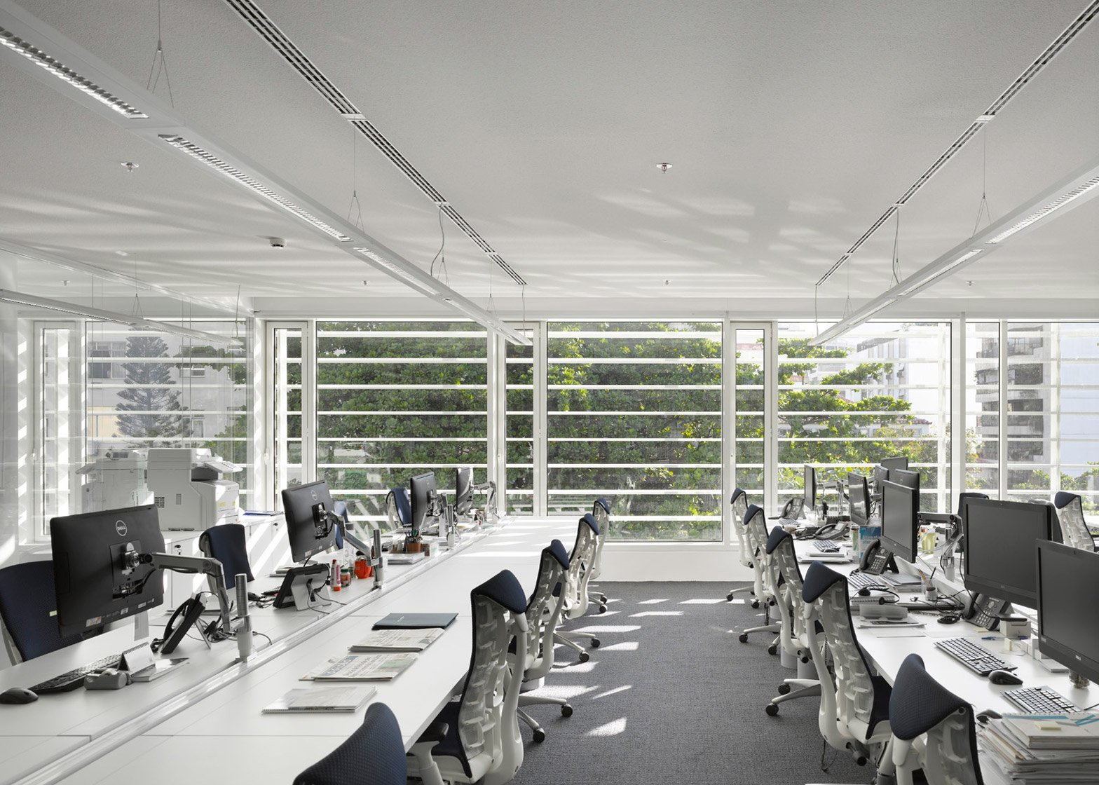 Leblon Offices by Richard Meier and Partners