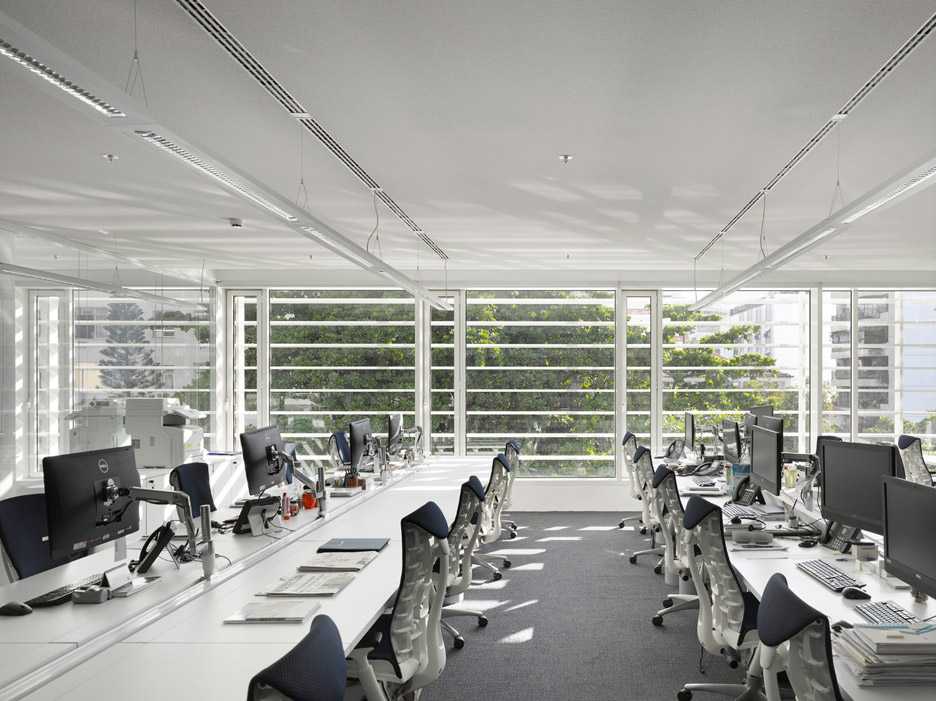 Leblon Offices by Richard Meier & Partners Architects