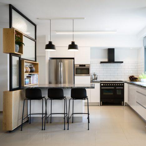 En Design Studio remodels new-build apartment in Israel to add character