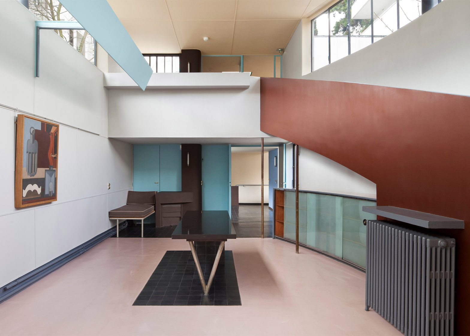 Le Corbusier\'s Maison La Roche-Jeanneret features an exhibition space