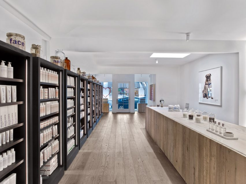 Messana Ororke Uses Wood Marble And Concrete For Malingoetz Stores