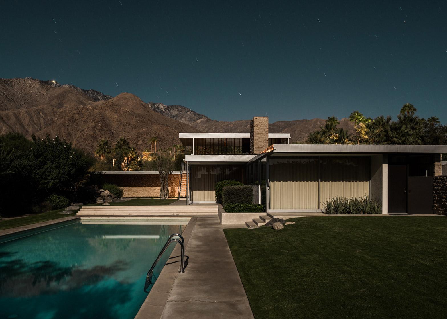 Midnight Modernism by Tom Blachford