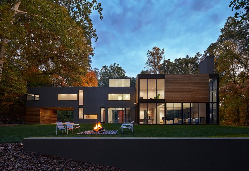 Mohican Hills House by Robert Gurney Architect