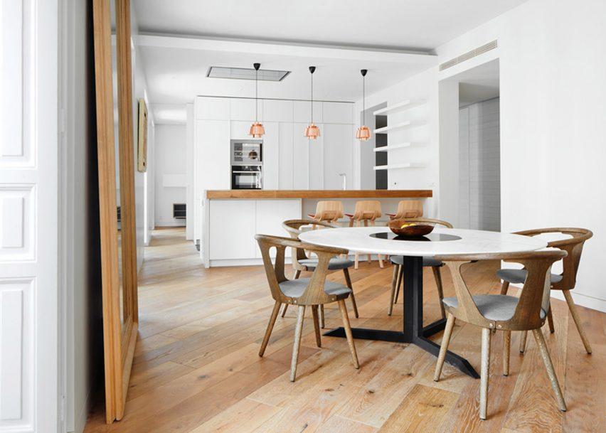 Lucas y Hernández-Gil reconfigures 19th-century Madrid apartment to let in light
