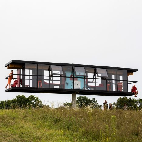 Rotating and tilting ReActor house accommodates two artists for five days
