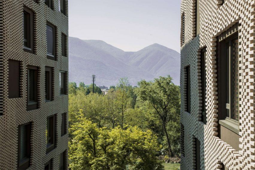 "Brick ""pixel patchwork"" envelops Residenza Le Stelle housing by Buzzi Studio Di Architettura"