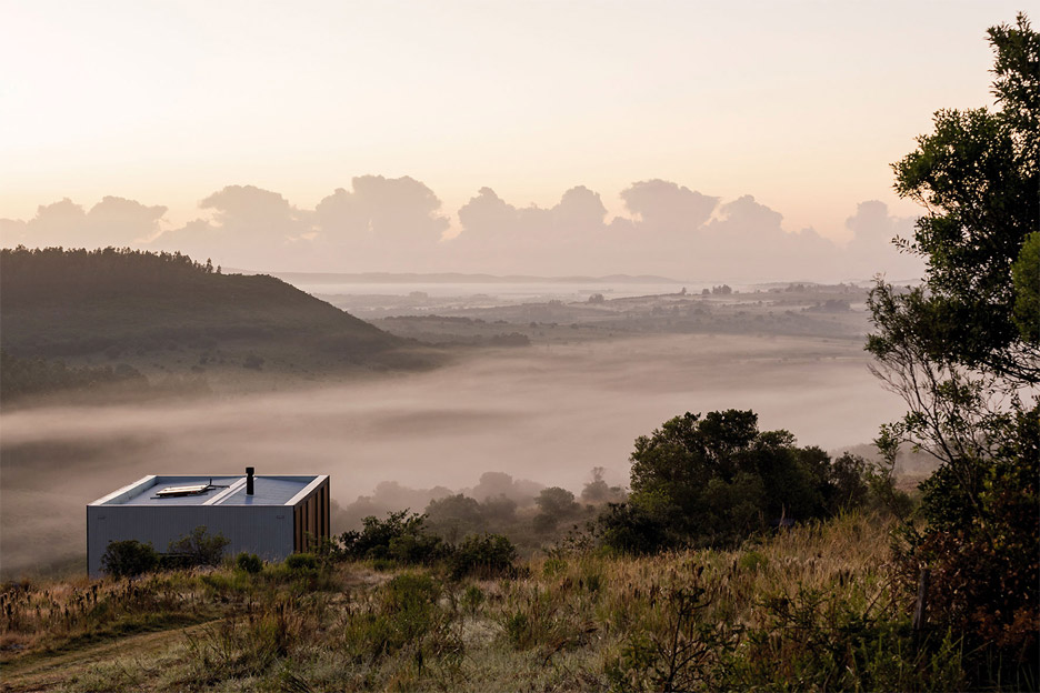 retreat-in-finca-aguy-mapa-prefabricated-housing-uraguay_dezeen_936_10