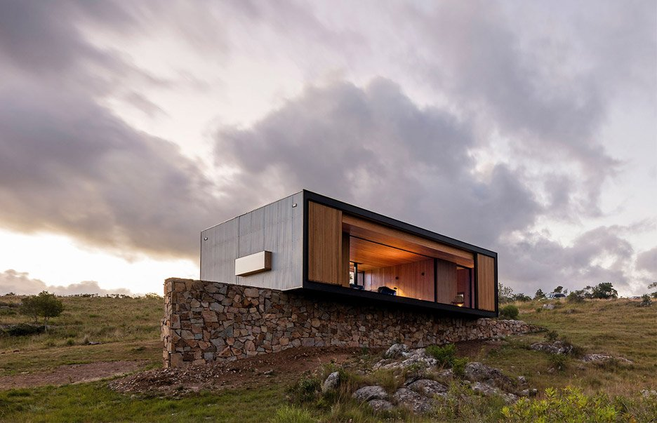 retreat-in-finca-aguy-mapa-prefabricated-housing-uraguay_dezeen_936_4