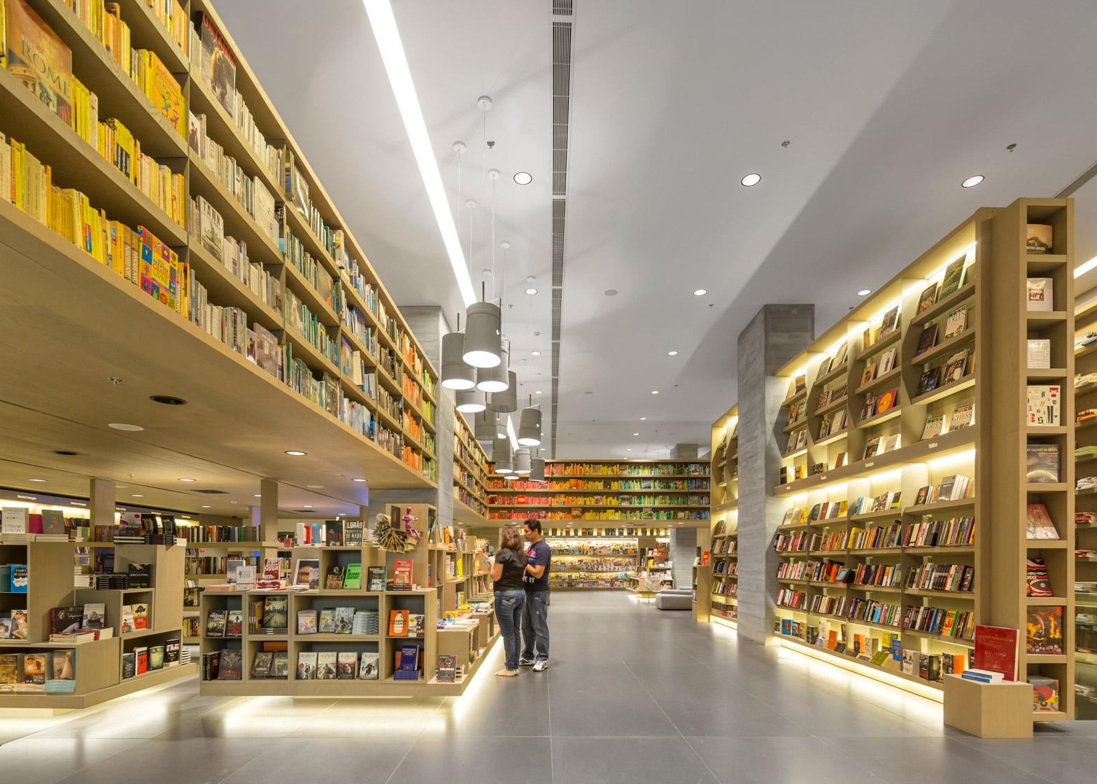 Saraiva bookshop by Studio Arthur Casas